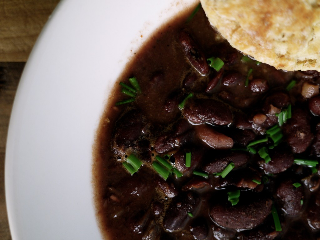 NOLAchef-red-beans-and-rice-with-biscuits